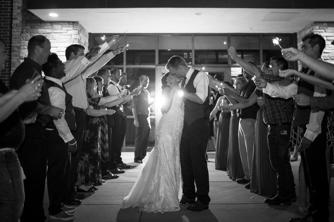 WaconiaMN_WeddingPhotographer_126