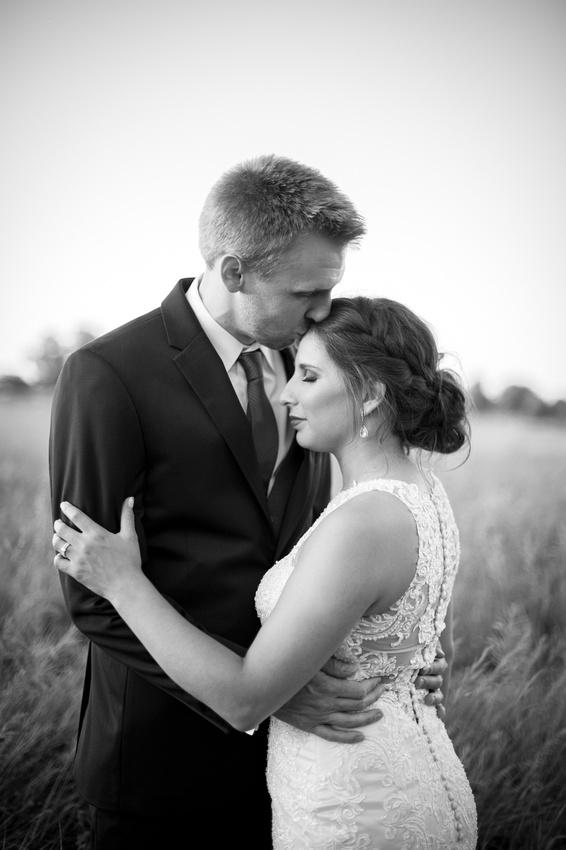 WaconiaMN_WeddingPhotographer_121