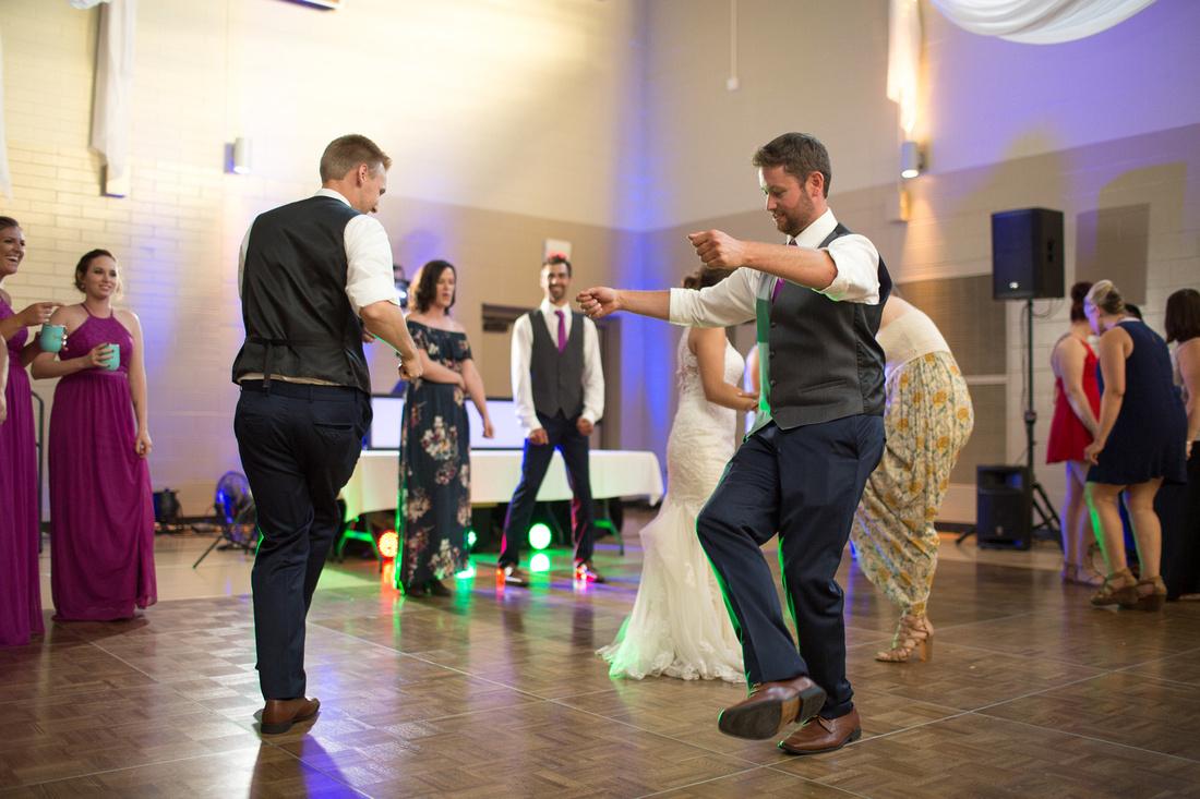 WaconiaMN_WeddingPhotographer_112