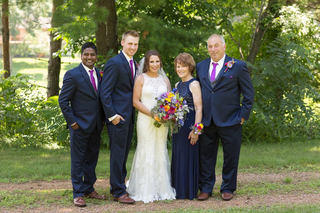 WaconiaMN_WeddingPhotographer_52