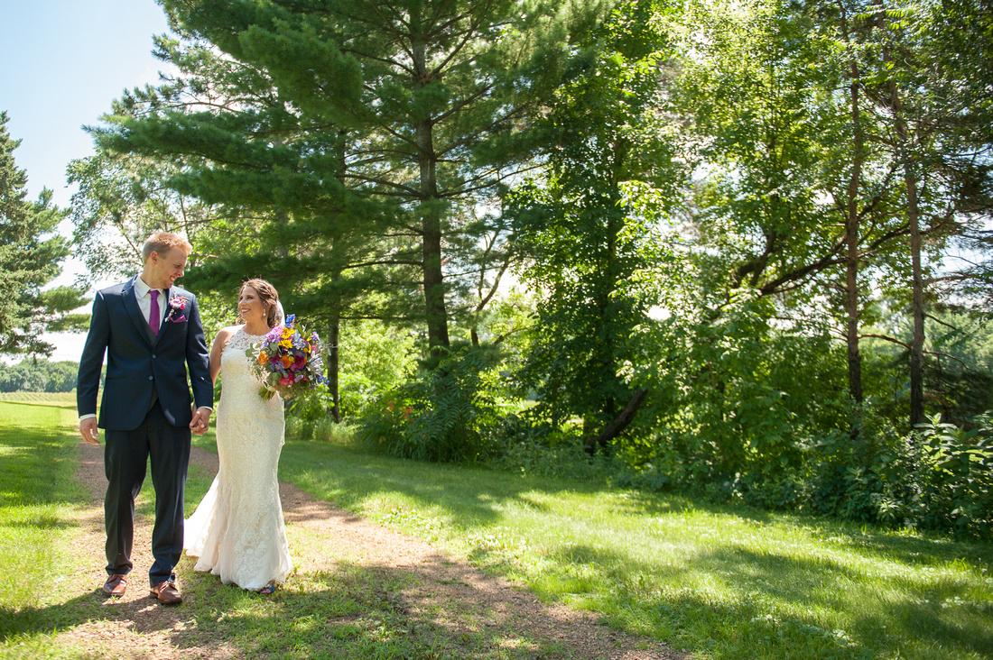 WaconiaMN_WeddingPhotographer_31