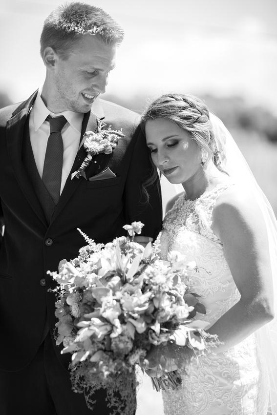 WaconiaMN_WeddingPhotographer_30