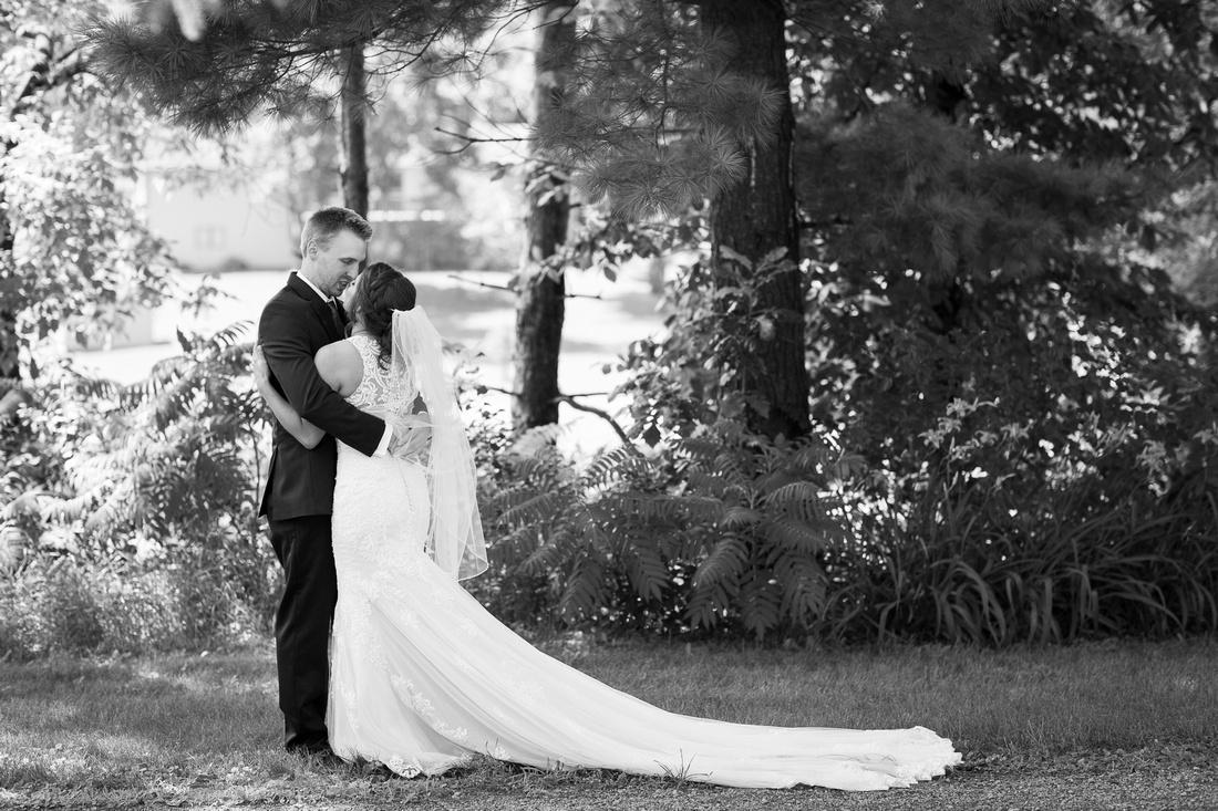WaconiaMN_WeddingPhotographer_18