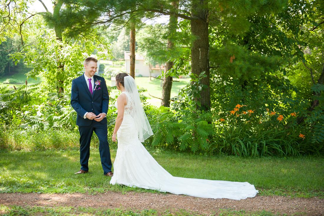 WaconiaMN_WeddingPhotographer_16